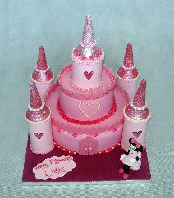 843 best Castles cakes images on Pinterest Castle cakes