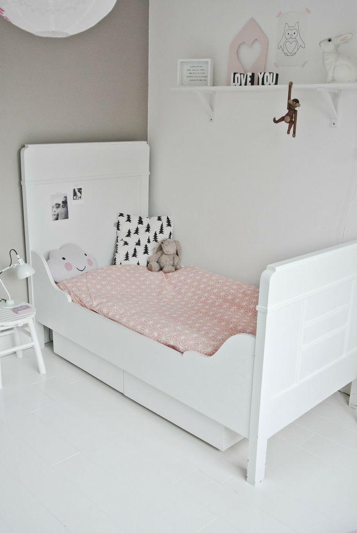 Ikea Speelgoed Keuken Marktplaats : Pastel and White Decor