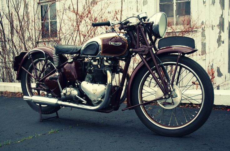 Steve McQueens 1938 Triumph Speed Twin.   -i would run over someone's grandmother to own this.(not my own of course)