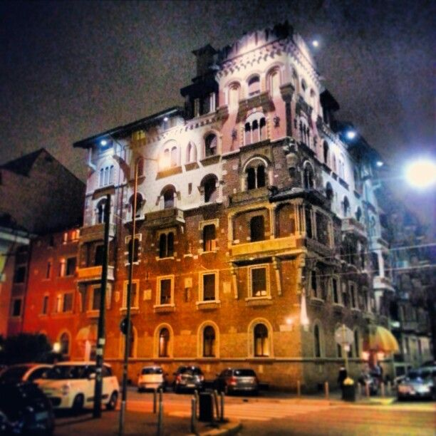 This is an incredible #hotel in #Milan! I #love its #medieval #architecture. That's #design! #madeinitaly #shoppinginitaly #shopping #online #shop #it #tourism #italyloveyou #italyphoto #italianeography #italiano #italiana #italians #italianstyle #italianlovers #italianpride #italianphoto #italianpride #italiansdoitbetter #italianjob #italya #italygram #igersitaly