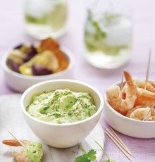 Apéro time? Trek je aperitiefmoment op gang met dit makkelijke recept voor een frisse en lichtjes zoete yoghurt paprika dip.