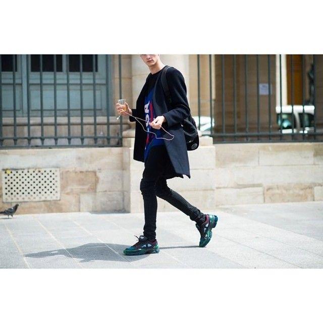 STRICT!!! #DADA #rafsimons #adidas #fashion #fbloggers #fashionable #fashionkillers #ootd #outfit #outfitoftheday #lookbook #liketit #hype #hypebeast #highfashion #street #style #vscocam #instasize #inspiration #black #allblack #ファッション #мода #mode #DADApeople