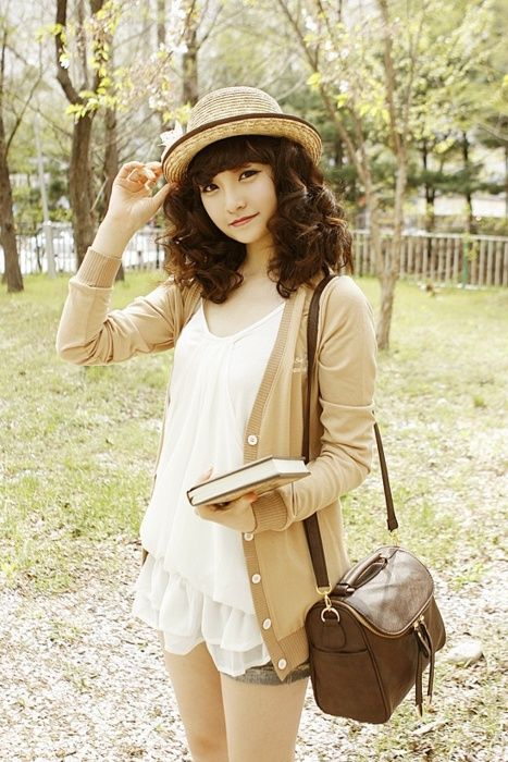 #korea #fashion ✜ ღ♥Please feel free to repin on Pinterest ♥ღ✜www.meandwii.com