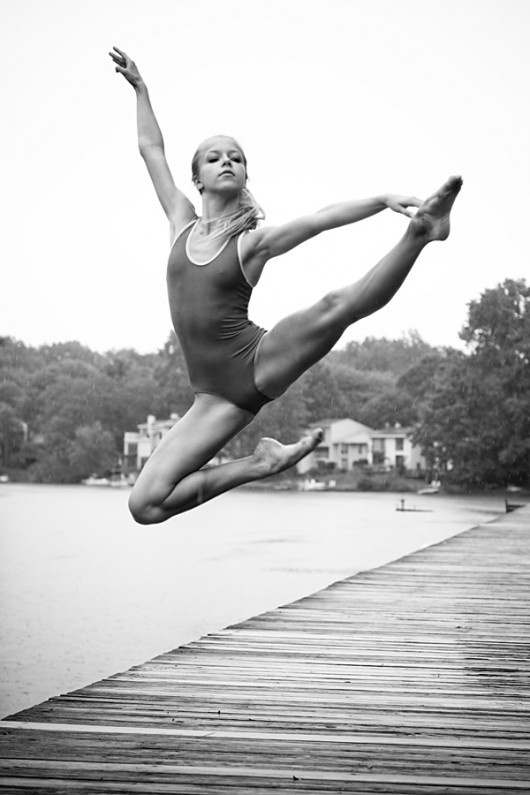 so graceful.: Dance Photography, Dancers, Black And White, Great Shots, Beautiful, Sports, Lakes, Muscle, Ballet Photography
