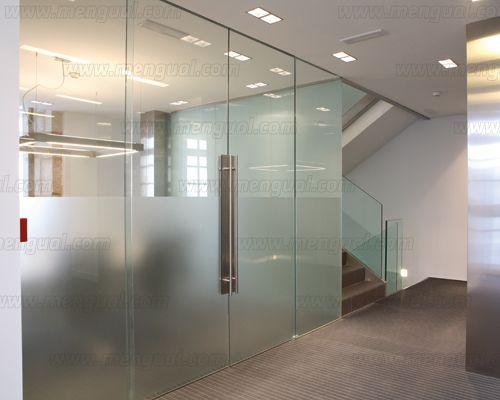 Puertas correderas de cristal, perfectas para oficinas