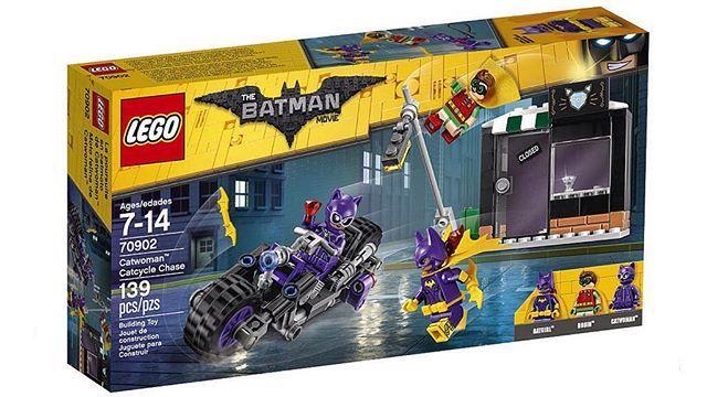 The LEGO Batman Movie set pictures have been released! 1/8. #lego #thelegobatmanmovie #thelegomovie #legobatman #batman #robin #batgirl #catwoman #catwomancatcyclechase #2017 #legosets #legofan #TFOL