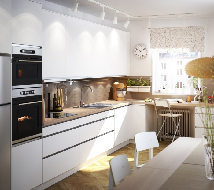 Είτε την ονειρεύεστε ολόλευκη, είτε προτιμάτε τις έντονες πινελιές, στην ΙΚΕΑ μπορούμε να σας βοηθήσουμε να φτιάξετε την κουζίνα σας, όπως ακριβώς την έχετε φανταστεί!