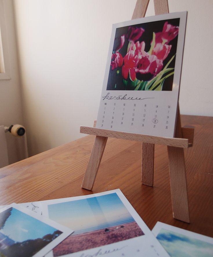 Table calendar of Instagram photos