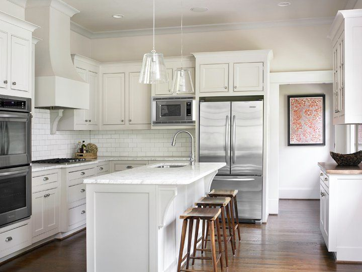 Stunning White Kitchen Design With Creamy White Shaker