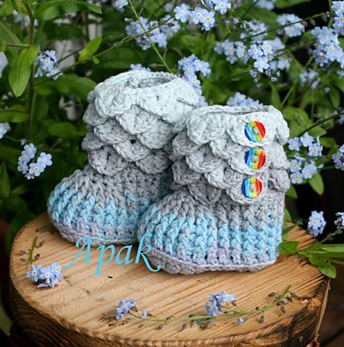 http://www.ravelry.com/projects/AnnaApak/crocodile-stitch-booties-baby-sizes-5