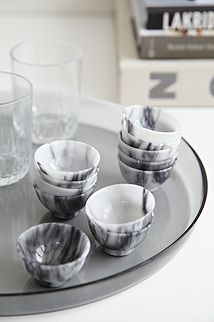12 stk marmor bægre - 150kr. Køb dem på www.loppedesign.dk