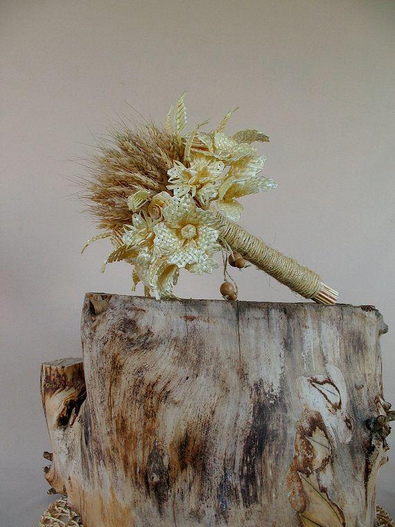 Boeket van de bruid. Bruiloft boeket. Een boeket van bloemen. Boeket van de oren. Stro bloemen. Weven van stro. Rietjes. Pieken. Gedroogde bloemen. Rustieke.