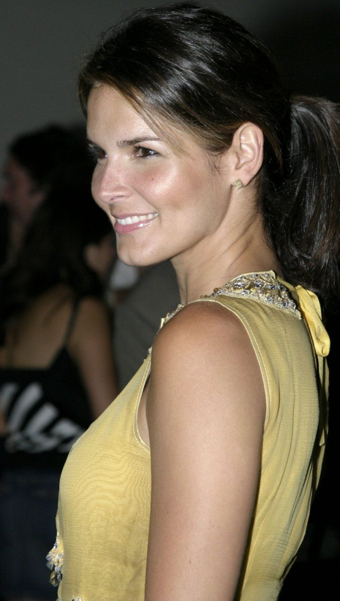Forum on this topic: Bhreagh MacNeil, angie-harmon-born-august-10-1972-age/