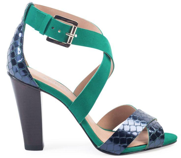 Sandales en daim vert et cuir façon python bleu marine vernis, André