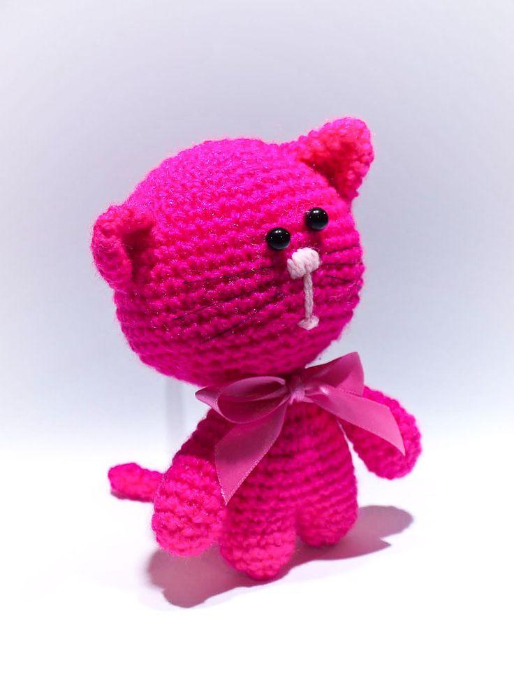lovely pink crochet kitty