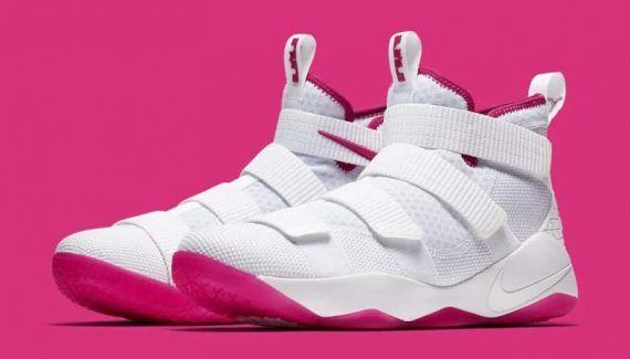 Nike : la LeBron Soldier 11 prête à lutter contre le cancer -  C'est un passage obligé et utile pour chaque chaussure de LeBron James. Au mois de septembre, la fondation Kay Yow, qui lutte contre le cancer, va être mise à l'honneur… Lire la suite»  http://www.basketusa.com/wp-content/uploads/2017/07/lebron-soldier-11-kay-yow-1-570x325.jpg - Par http://www.78682homes.com/nike-la-lebron-soldier-11-prete-a-lutter-contre-le-canc