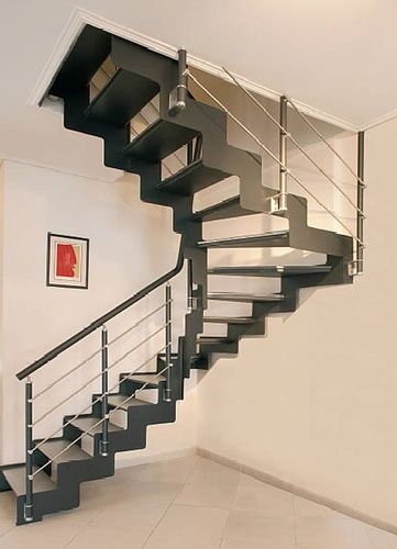 Half-turn staircase / with metal steps / frame / lateral stringer CLASSIC INTERIUM S.A.