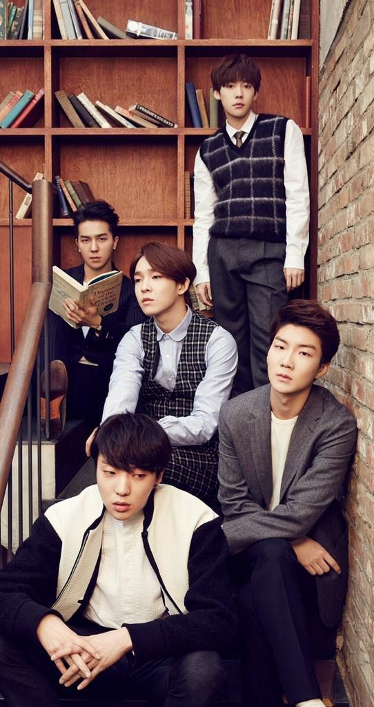 WINNER (with former member Taehyun)