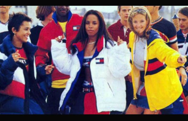 Tendência sportswear marcou anos 90, aqui vemos campanha Tommy Hilfiger 90s.