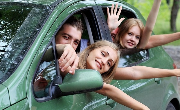 Auto Insurance Houston laws require the young drivers in any age to hold the auto insurance along with driver's license while driving, so in making the license the driver must have their own insurance.