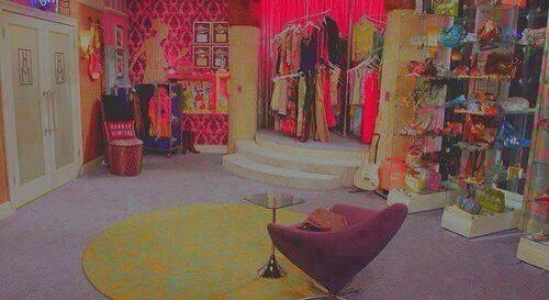 Hannah Montana's closet         its my dream closet