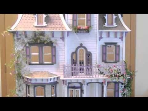Best 25 beacon hill dollhouse ideas on pinterest doll houses dolls and dollhouses and diy for Dolls house exterior decoration