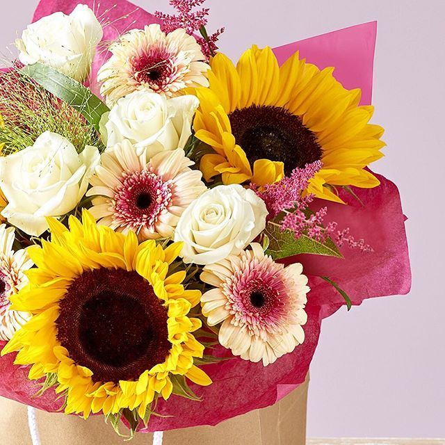 Here's to brightening up your September! 💐 Shop our September Bouquet Of The Month for next day delivery through the link in our bio. #flowers #bouquet #floral #autumn #autumnal #seasonal #sunflowers #roses #home