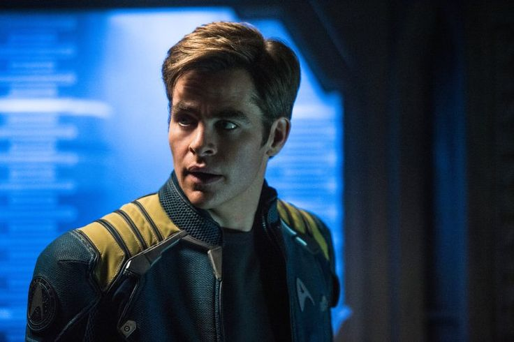 Chris Pine (Kirk) in Star Trek Beyond (2016)