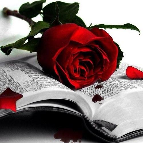 Τρία πάθη απλά εξουσιάζουν τη ζωή μου:Η λαχτάρα για αγάπη, η αναζήτηση της γνώσης κι η ανυπόφορη θλίψη για τα βάσανα του ανθρώπινου είδους.