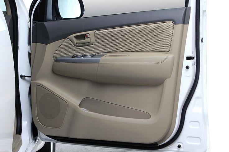 Hilux double cabin V diesel Interior 1