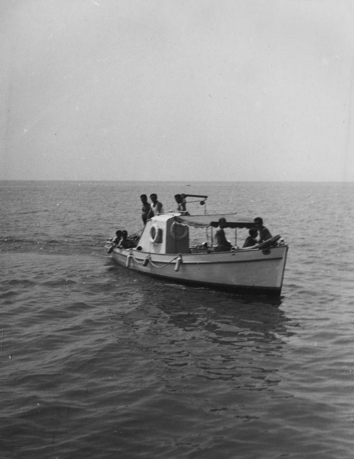 La barca dell'Inail per gli allenamenti di nuoto