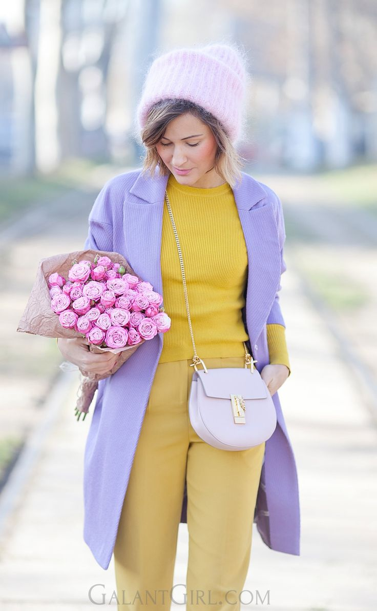 bouquet of roses   Chloe Drew Bag   mustard   lilac coat   winter outfits   street style   winter street style ideas  