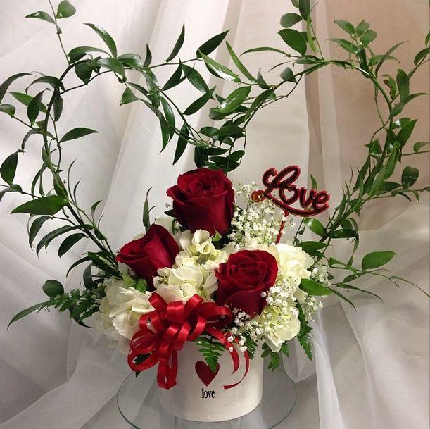 84 best valentine flowers images on pinterest floral for Flower arrangements for valentines