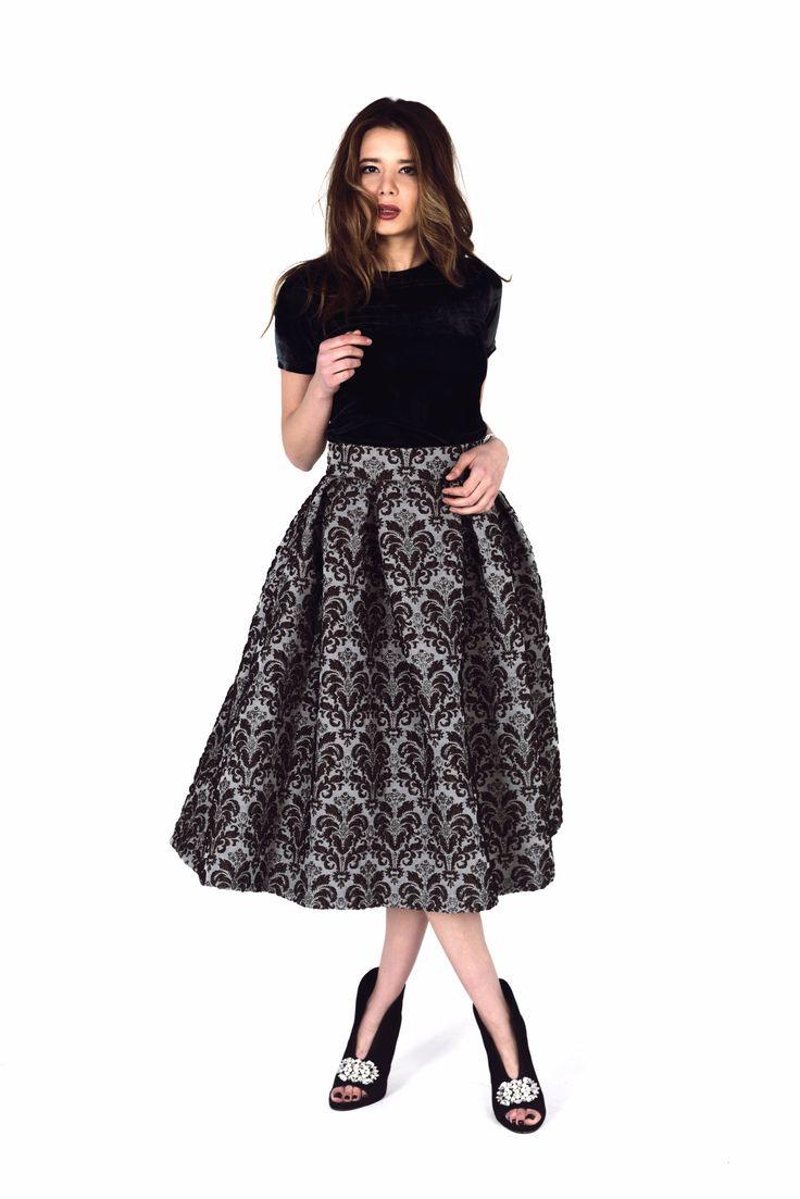 #DVOREC #DESIGN #BRAND. #ДВОРЕЦ #ДИЗАЙНЕРСКИЙ #БРЕНД. #Аристократический #наряд. #Узоры #барокко, #металическая #блестящая #нить и #бархат. #Роскошь и #Соблазн. #Aristocratic #fashion. #Suit #barocco #pattern  #Костюм ( #юбка + #блуза ) #Мода #весна-лето #2016 #Fashion #spring-summer 2016 #ss2016  #Russia #Moscow #Дворец #Москва #Трикотаж #Италия #Italy #Brown #Grey #коричневый #серый #жаккард  #Дизайнер #роскошь #необычный #наряд #платье #стиль #красота #леди #девушка #принцесса