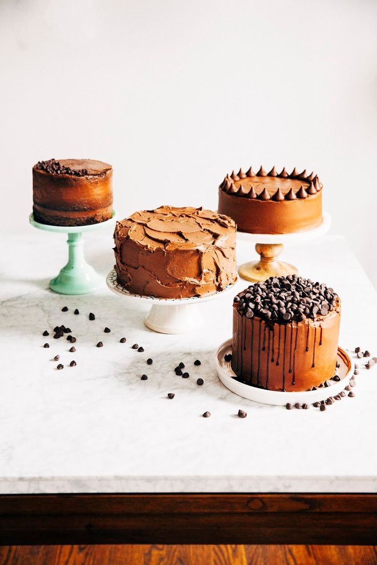 how to frost a cake four ways