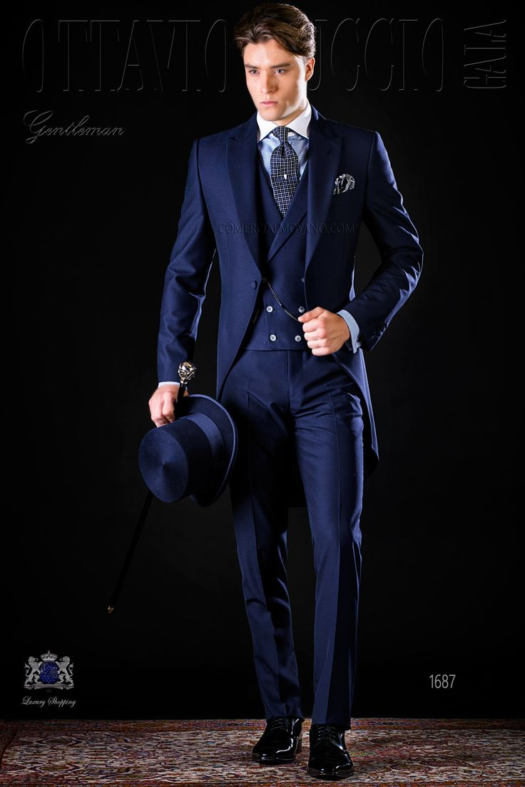 Chaqué clásico italiano a medida azul con solapa de pico y un botón madre perla en tejido mixto lana mohair alpaca. Traje de novio 1687 Colección Gentleman Ottavio Nuccio Gala.