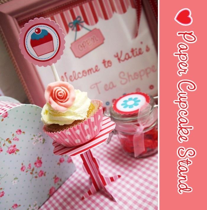 DIY paper cupcake stand