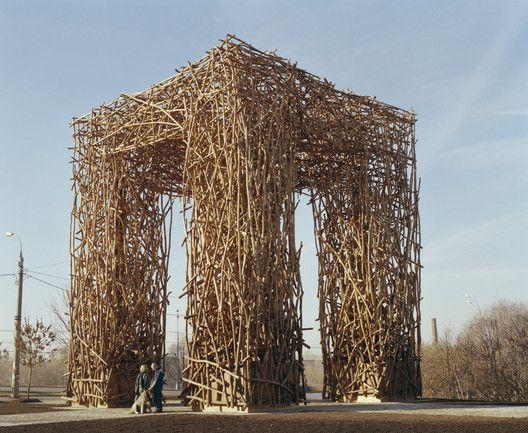 As impressionantes estruturas artesanais de Nikolay Polissky