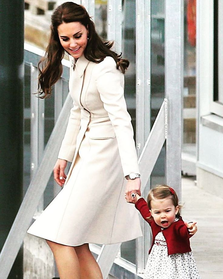 The  Duchess of Cambridge and 16-month-old Princess Charlotte, arrive at the Harbour Air Seaplane Terminal in VICTORIA, B.C.(ADRIAN LAM, TIMES COLONIST). #yyj #royalvisitcanada