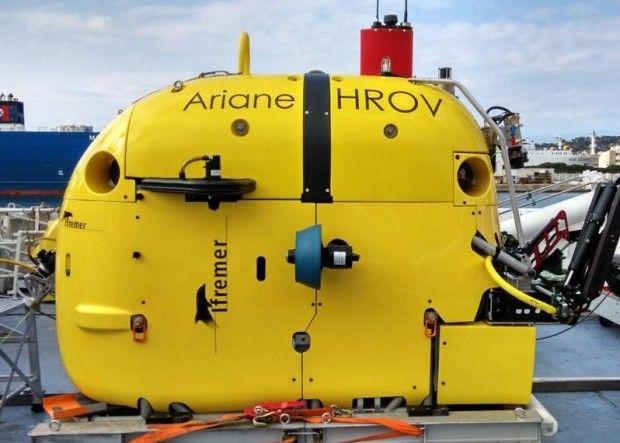 Le « fil » d'Ariane : un robot sous-marin relié par fibre optique