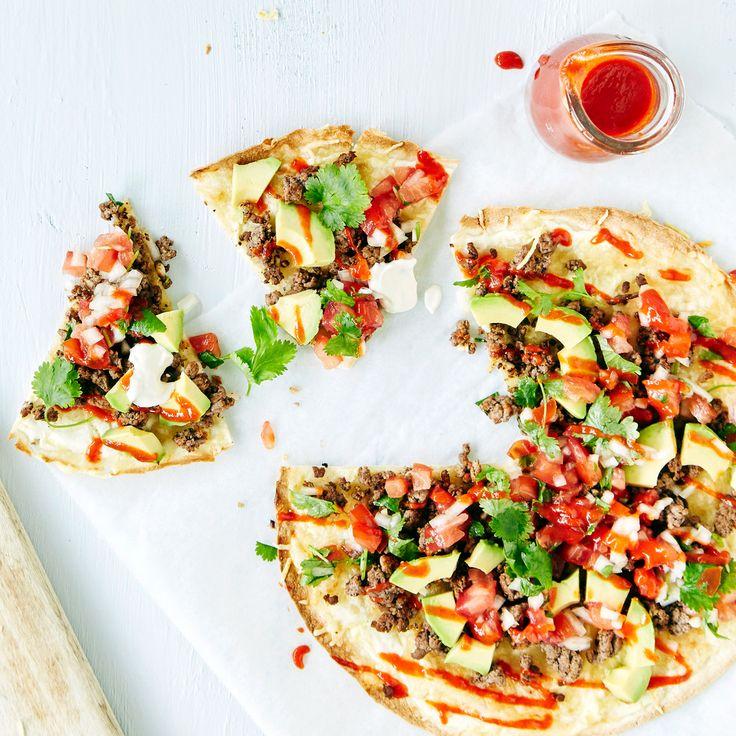 Meksikolainen rapeaksi paahdettu tortillalettu jauhelihatäytteellä ja tomaattihöystöllä. Resepti on blogituttavuutemme Makuja kotoa -blogista.   Syö SEKÄ edullisesti ETTÄ hyvin. Tämäkin resepti vain noin 2,25 €/annos*.