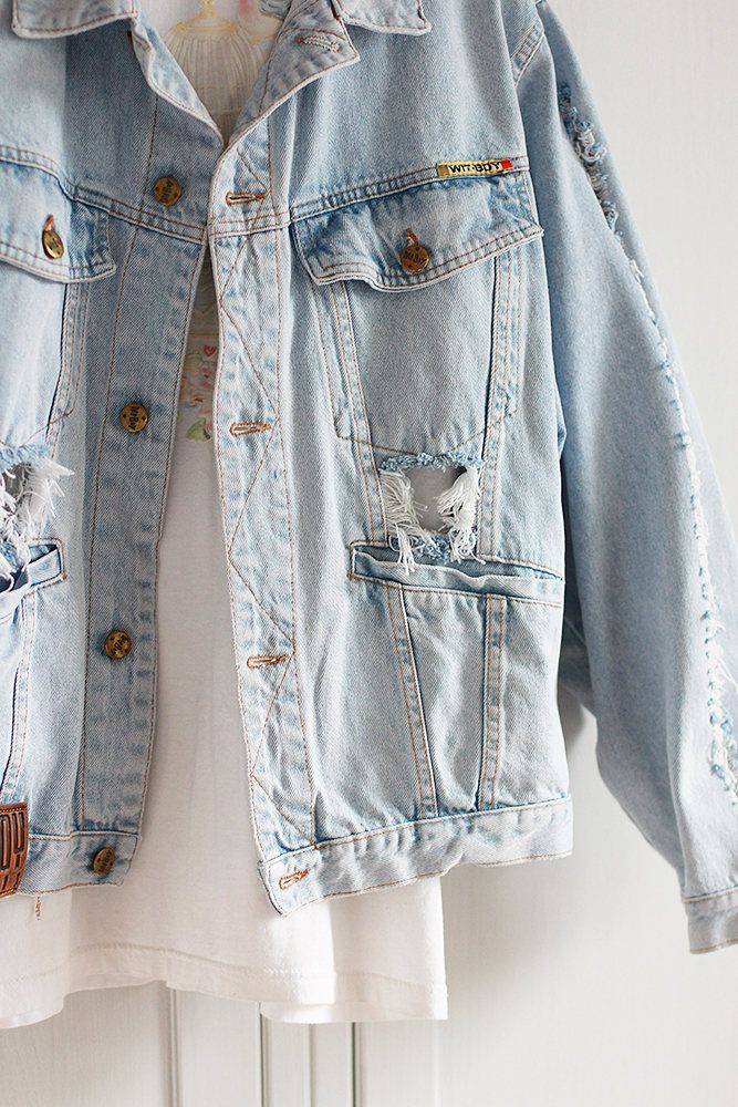 Denim Jacket Fringes Oversized Destroyed Vintage Ripped Jeans Light ... dbe74cf693