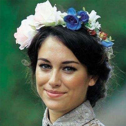 Coronas y tocados con flores Blanca Suarez