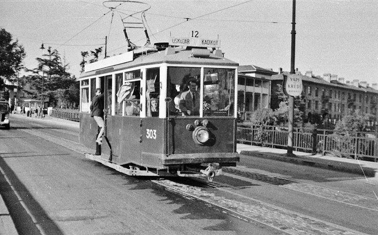 Haydarpaşa köprüsü üzerinde Tramvay (1950'ler)