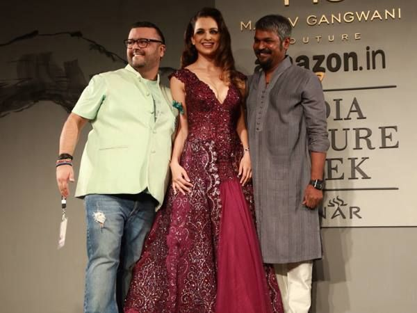 The Gorgeous #KanganaRanaut - Showstopper for #ManavGangwani Couture at #AICW2015