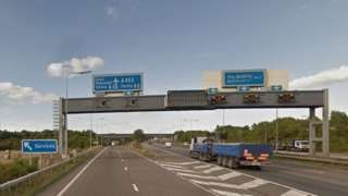 M1 closed near East Midlands Airport for Jet2 emergency