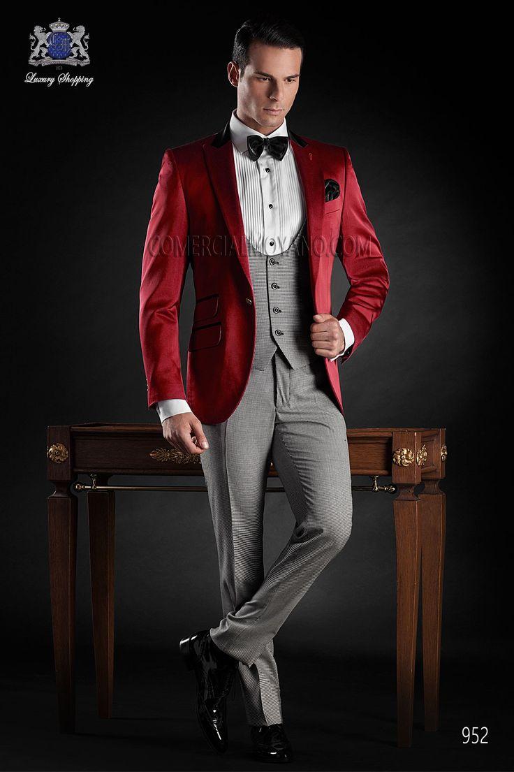 Traje de novio esmoquin italiano a medida, chaqueta raso rojo con solapa pico y un boton, coordinado con pantalon en pata de gallo, modelo 952 Ottavio Nuccio Gala Black Tie 2015.