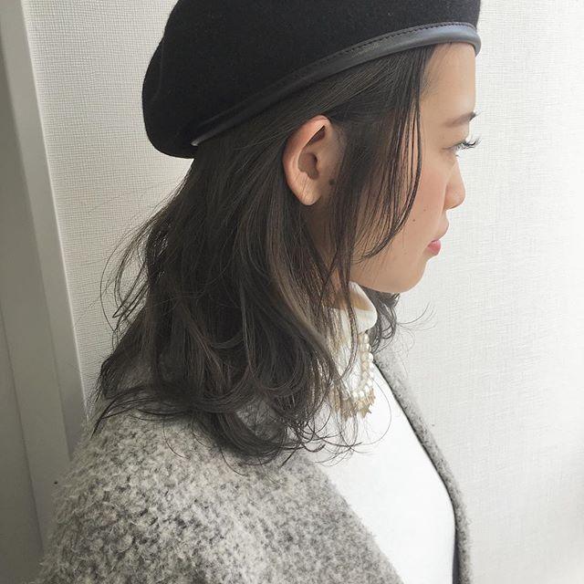 キャップのかぶり方で髪型は変わる 帽子をかぶっている際のヘア
