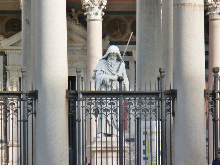 San Paolo fuori le Mura -  Giuseppe Obici's statue of St Paul in the Basilica's
