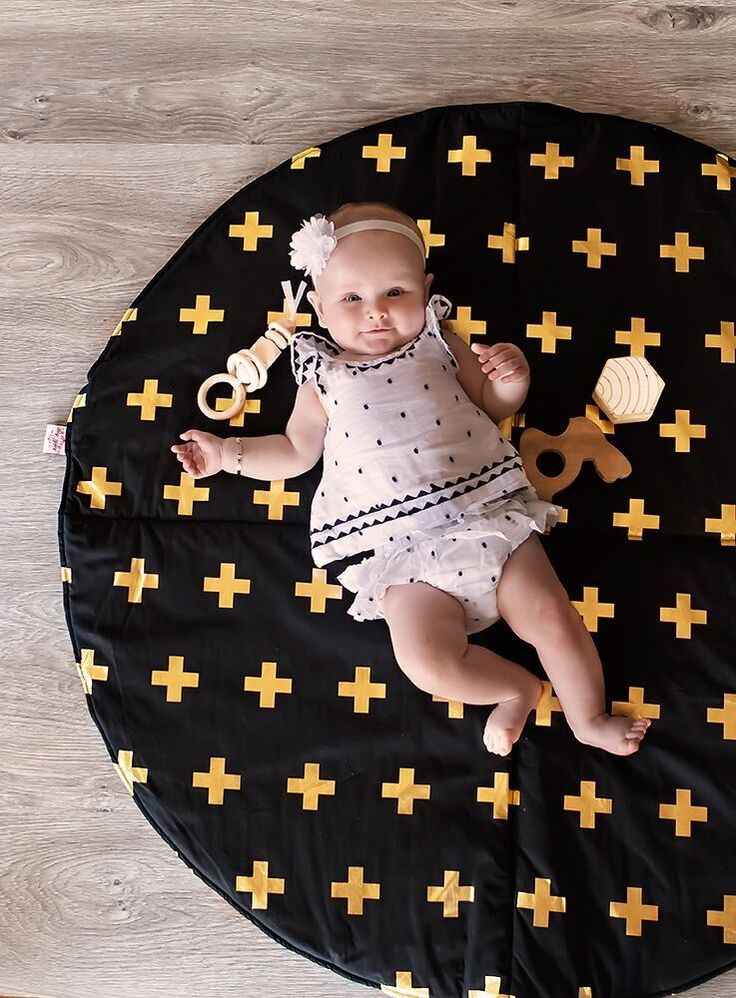 Play Mat- Crosses Gold